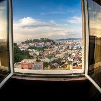 Вид из окна на утренний Лиссабон :: Ксения Исакова