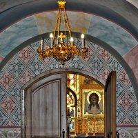 В храм :: Иван Владимирович Карташов