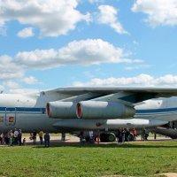 Самолет Ил-76М. Очередь в кабину экипажа. :: Анастасия Яковлева