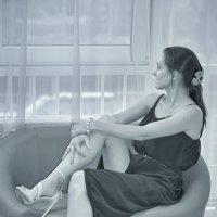 Девушка и окно :: Андрей Майоров