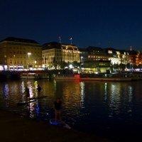 Очарование ночного Гамбурга (серия) Ночная прогулка по воде :: Nina Yudicheva