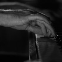 Pianist :: Ketrin Darm