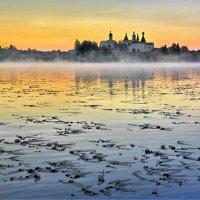 Рассвет на Ферапонтовском озере :: Валерий Талашов