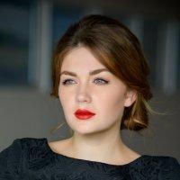 Очаровательная Аня :: Александр Фищев