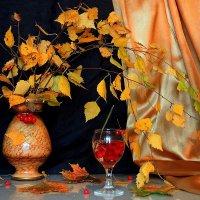 Осень длинной тонкой кистью перекрашивает листья. :: Павлова Татьяна Павлова