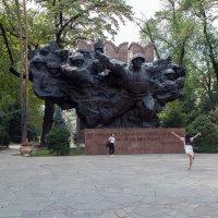 Памятник 28 панфиловцам :: Евгений Мергалиев