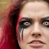 Эти глаза напротив... :: Руслан Комаров