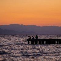 рыбаки на вечерней зорьке.. :: Александр Александр
