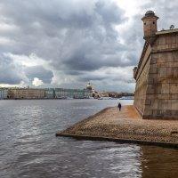 Человек и город :: Евгений Никифоров
