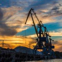 Портовые краны :: Artem Zelenyuk