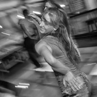 Энергия танца... :: Михаил Петрик
