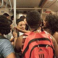 Таиланд. Бангкок. Туристы в метро :: Владимир Шибинский