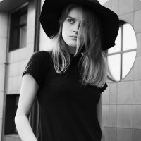 000100 :: Марина Щеглова