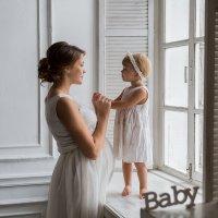 Две девочки- мама и дочь :: Marusya Горькова