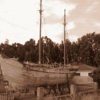 Старый корабль уже не на ходу :: Елена Милая
