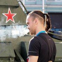 крутОЙ парень,а прическа :: Олег Лукьянов