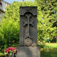 Адлер. Хачкар у армянского храма :: Нина Бутко