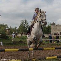 Прыжок юной спортсменки. :: Виктор Евстратов