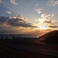 Вот и солнышко взошло над седым Байкалом... :: Александр Попов