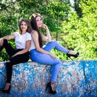 Юные и красивые подруги :: Татьяна Зайцева