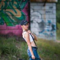 Девушка с магнитофоном. Граффити. Фотограф Руслан Кокорев. :: Руслан Кокорев