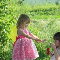 детская радость - мыльные пузыри :: Татьяна Солодовникова