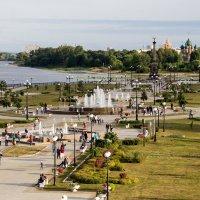 Каскад фонтанов в Ярославле :: Светлана Ку