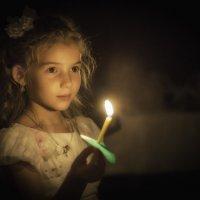 Портрет девочки со свечой :: игорь козельцев
