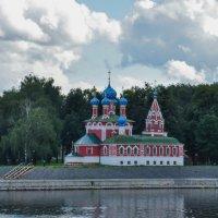 Церковь на берегу Волги. Углич. :: Сергей Тагиров