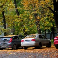 Осенний дворик :: Albina