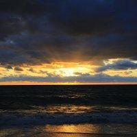 Уж реже солнышко блистало , короче становился день .... :: valeriy khlopunov