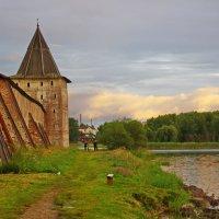 У стен монастыря. :: Ирина Нафаня