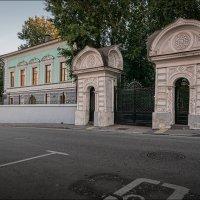 Большой Трёхсвятительский переулок :: Олег Фролов