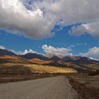 В краю высоких гор и низких облаков... :: Александр Попов