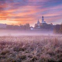Утро у  Благовещенского монастыря :: Колобаев Сергей