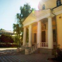 Дворик церкви Зосима и Савватия :: Екатерррина Полунина