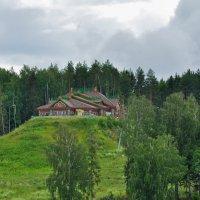 Дом на берегу Волги. Плес. :: Сергей Тагиров