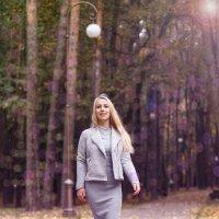 Летящей походкой :: Alena Busik