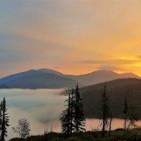 Рассвет в горах :: Сергей Чиняев