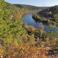 осень на сылве 4. вид с горы ермак :: Константин Трапезников
