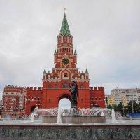Красивый центр Йошкар-Олы :: Сергей Тагиров