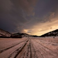 На горы зимние, взор Ваш, пусть неутомимым будет 14 :: Сергей Жуков