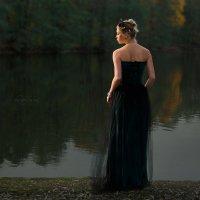 Вечер у озера... :: Руслан Комаров