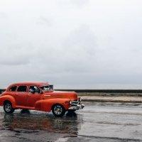 Classic car on Malecon :: Arman S