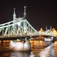 Вечером мост Сечень. Будапешт.Венгрия :: Anton Сараев