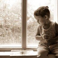 У окна :: Юлия Супенко