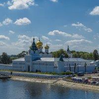 Подходя к Ипатьевскому монастырю :: Сергей Цветков