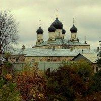 В уездном городе М. :: Надежда Бахолдина