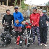 Встреча с вело-туристами из Венгрии :: Юрий Владимирович