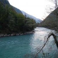 Река и горы :: Нелли *